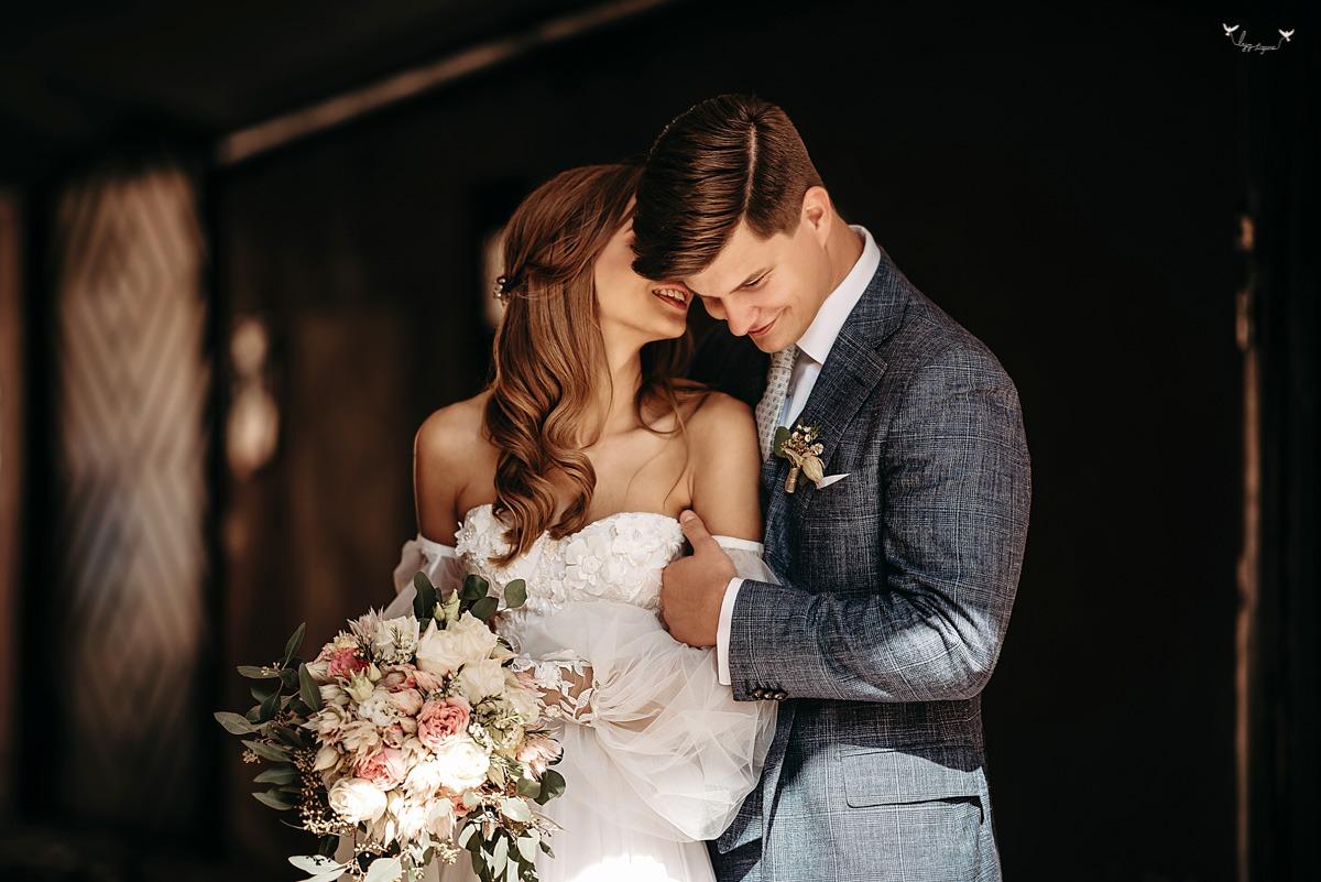 Gražiausios vestuviu nuotraukos