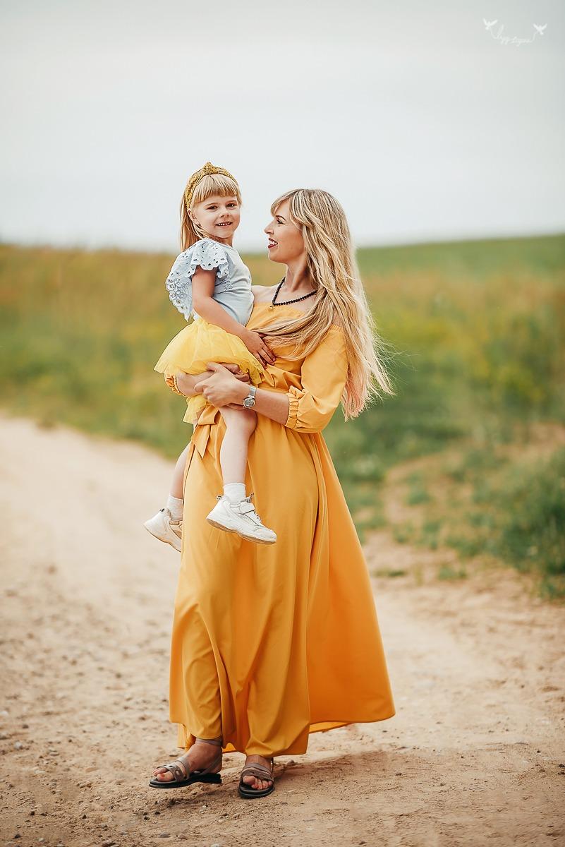 Nuostabi šeimos fotosesija Lietuvos žirgyne
